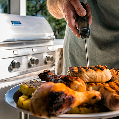 From a streamlined assembly to easy cleanup, SABER grills bring a new level of cooking performance to your backyard.